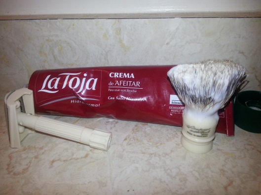 La Toja shaving cream